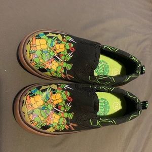 Ninja turtle shoes for toddles size 10